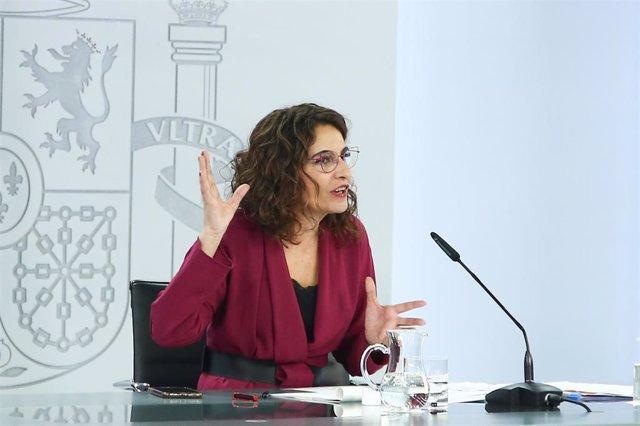 La ministra de Hacienda y Portavoz del Gobierno, María Jesús Montero, durante la rueda de prensa posterior al Consejo de Ministros, en Madrid (España), a 23 de febrero de 2021. La reunión se produce el mismo día en el que se cumplen 40 años del fallido go