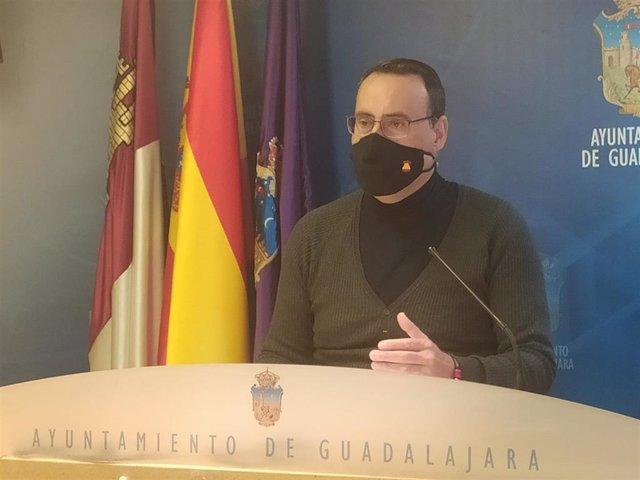 El portavoz de VOX en Guadalajara, Antonio de Miguel
