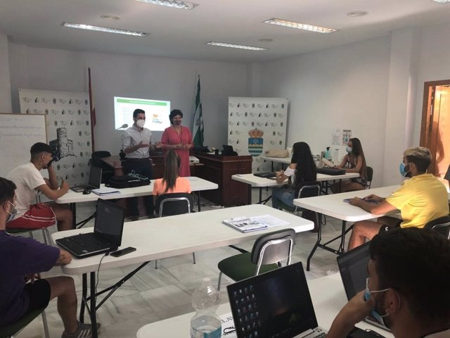 Archivo - Almería.-Diputación.- Diputación impulsa el emprendimiento en Líjar con 'Almería, empleo joven contra la despoblación'