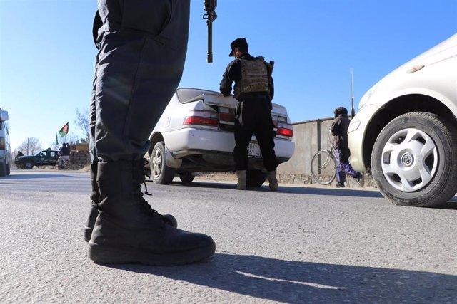 Archivo - Control de la Policía en Afganistán