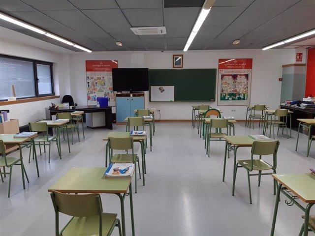 Archivo - Un aula de un colegio de València