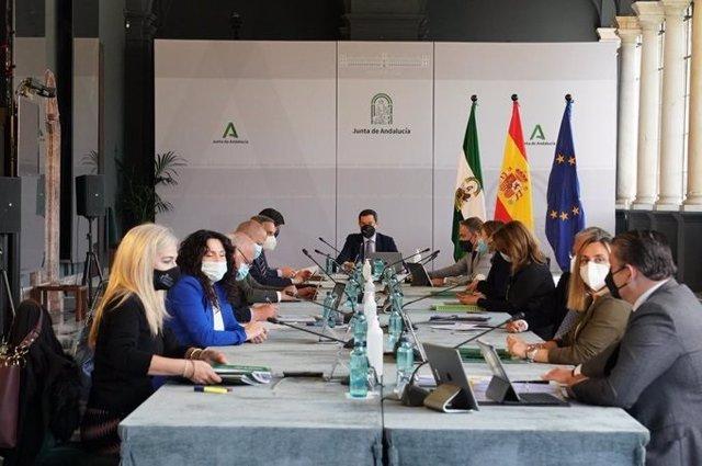 Reunión del Consejo de Gobierno de la Junta de Andalucía encabezada por su presidente, Juanma Moreno