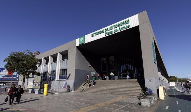 Archivo - Exterior de la estación de autobuses Plaza de Armas de Sevilla