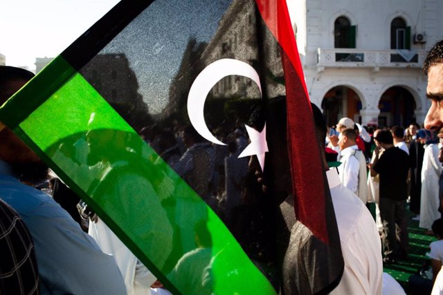 Bandera libia en Trípoli.