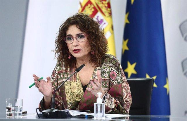 La ministra de Hacienda y portavoz del Gobierno, María Jesús Montero, durante la rueda de prensa posterior al Consejo de Ministros, en Madrid (España), a 2 de marzo de 2021. El Consejo de Ministros ha aprobado este martes el nuevo Estatuto General de la A