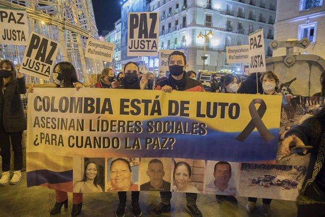 Archivo - Manifestación celebrada en Madrid, España, para denunciar el asesinato de líderes sociales en Colombia y la impunidad que existe en favor de sus responsables.