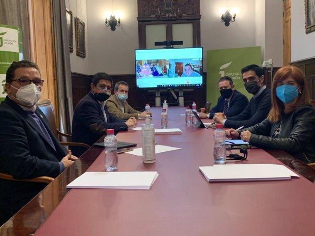 Reunión del presidente de la Diputación de Jaén, Francisco Reyes, con ayuntamientos para impulsar una alianza municipalista