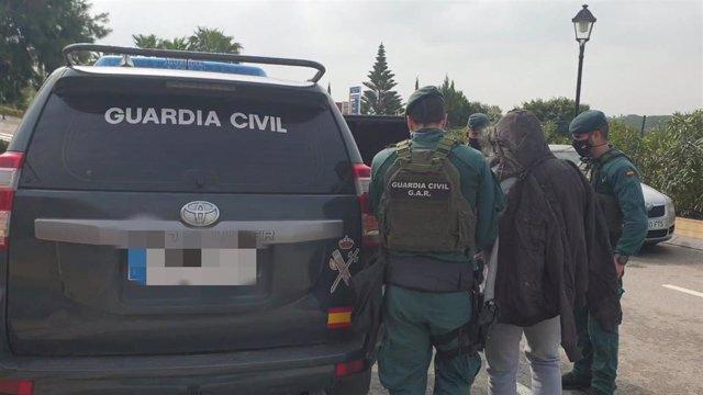 Imagen de una de las detenciones de la Guardia Civil dentro de la operación Palomari contra el blanqueo de capitales procedente del narcotráfico