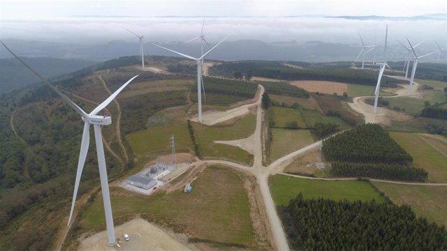Parque eólico de Naturgy en A Pastoriza (Lugo)