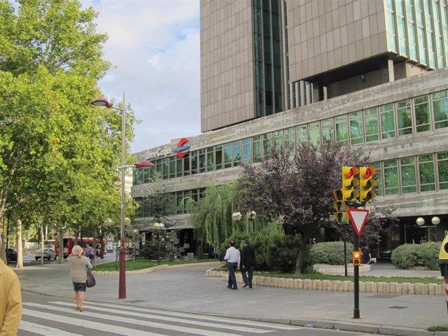 Archivo - Sede central de Ibercaja en Zaragoza.