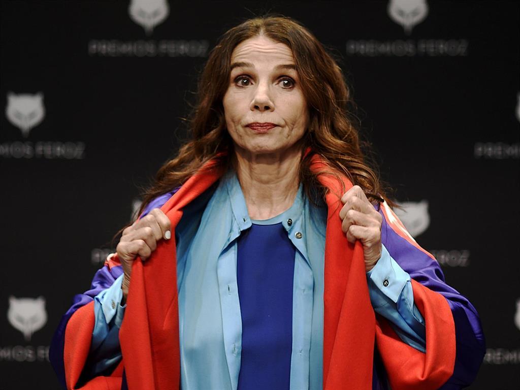 """Victoria Abril pide disculpas en los Premios Feroz: """"Siento mucho si he ofendido a los que han perdido seres queridos"""""""