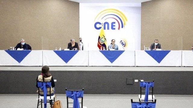 Rueda de prensa de Diana Atamaint, presidenta del Consejo Nacional Electoral de Ecuador
