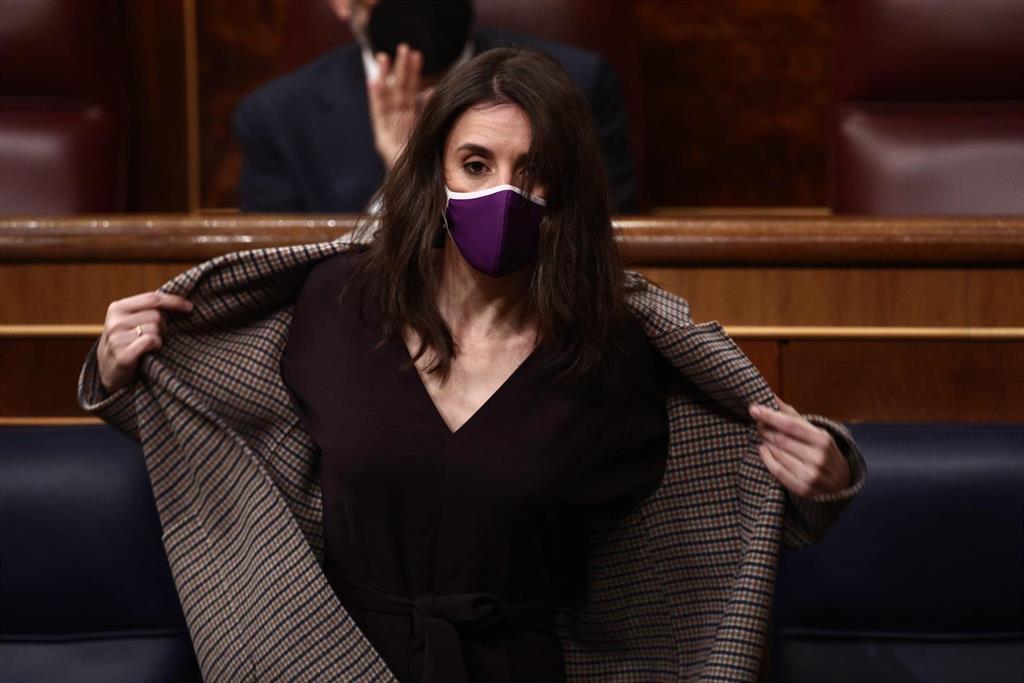 """Irene Montero dice que """"el problema"""" del PP para renovar el CGPJ no es Podemos, sino """"Bárcenas cantando la traviata"""""""