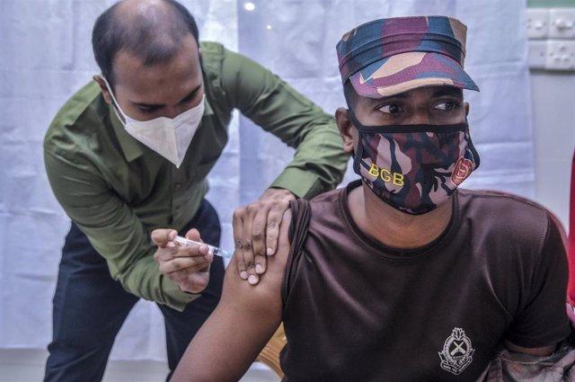 Vacunación contra el coronavirus en Bangladesh