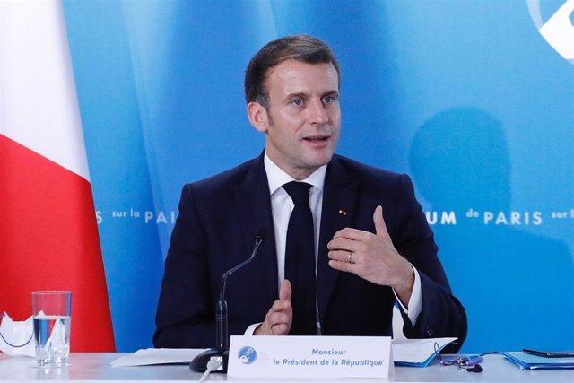 Archivo - Emmanuel Macron en una comparecencia en París