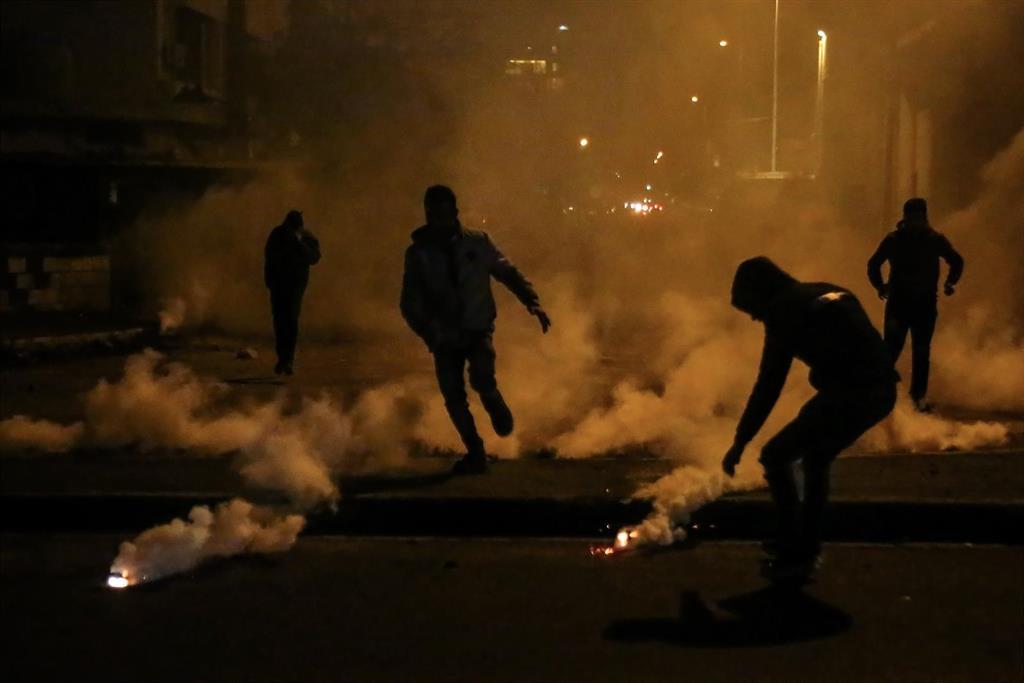 Nuevas protestas en Líbano ante una histórica caída de la libra y el ahondamiento de la crisis económica
