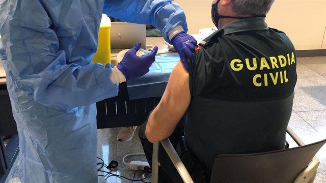 Inicio de la vacunación en la Guardia Civil