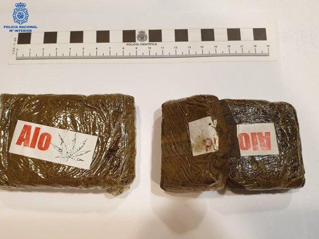 Droga incautada por la Policía Nacional al detenido en Pamplona