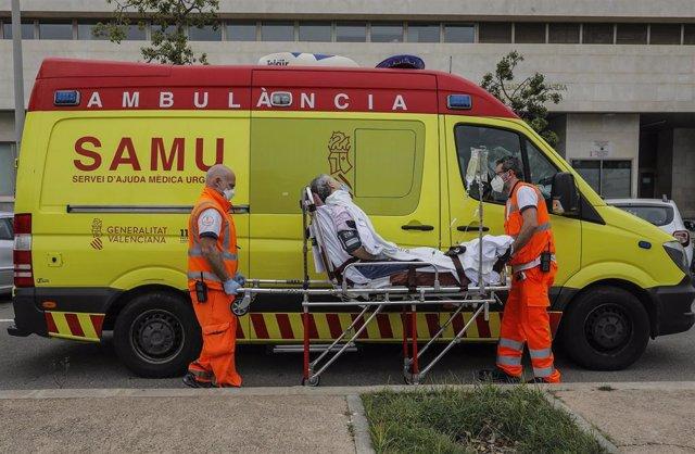 El exinformático del caso Blasco, en ambulancia