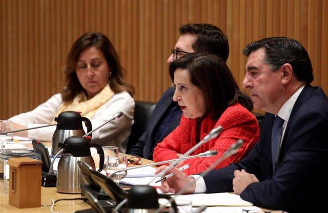 Archivo - La ministra de Defensa, Margarita Robles, en la Comisión de Defensa del Congreso