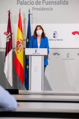 La portavoz del Gobierno y consejera de Igualdad, Blanca Fernández, en rueda de prensa.