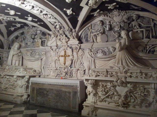 Archivo - Imagen de la cripta del Santuario de la Victoria