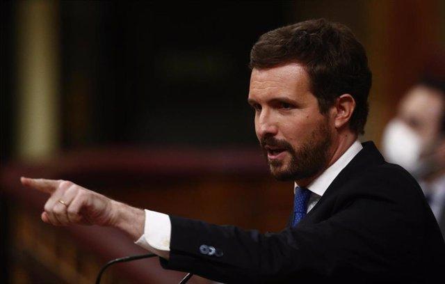 El líder del PP, Pablo Casado, interviene durante una sesión de Control al Gobierno en el Congreso de los Diputados, en Madrid, (España), a 24 de febrero de 2021.