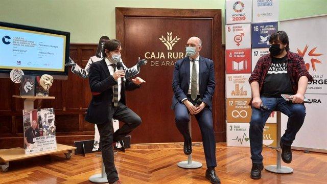 Nacho Escuín, José Antonio Artigas y Gonzalo González en la presentación del ciclo.