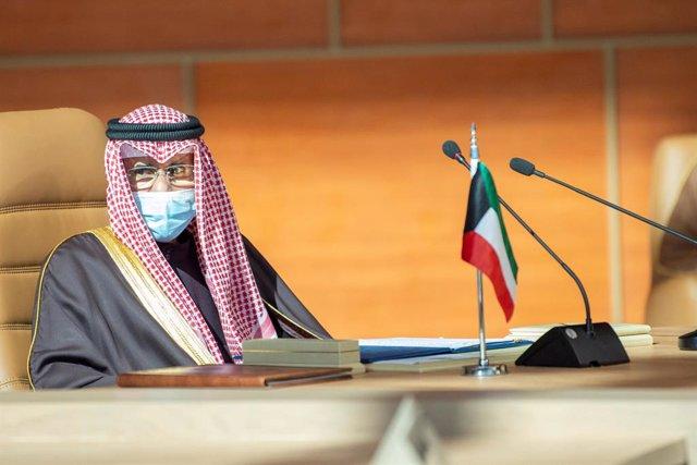 Archivo - 05 January 2021, Saudi Arabia, AlUla: Emir of Kuwait Sheikh Nawaf Al-Ahmad Al-Jaber Al-Sabah attends the 41st Gulf Cooperation Council (GCC) summit. Photo: -/Saudi Press Agency/dpa