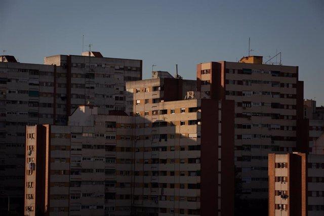 Archivo - Edificios del barrio de Ciutat Meridiana de Barcelona