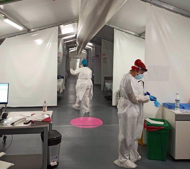 Archivo - Primeros pacientes Covid en el hospital de campaña de la provincia de Castellón