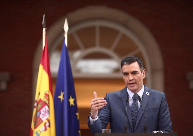 El presidente del gobierno, Pedro Sánchez, ofrece una rueda de prensa en Moncloa tras participar en la reunión del Consejo Europeo Extraordinario sobre el Coronavirus, en Madrid (España), a 26 de febrero de 2021. En esta primera rueda de prensa desde fina