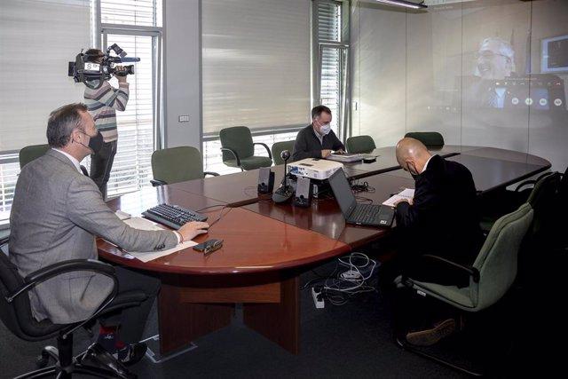 El consejero de Ganadería participa en una videoconferencia sobre el lobo