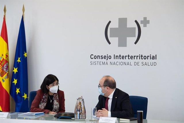Carolina Darias y Miquel Iceta en la reunión del Consejo Interterritorial del Sistema Nacional de Salud el 3 de febrero de 2021.