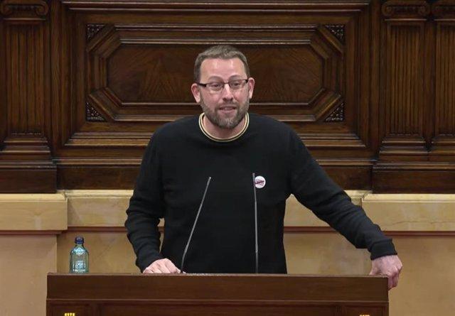 El diputado de la CUP Vidal Aragonès, interviniendo en el Parlament