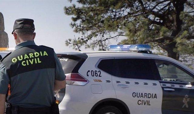 Archivo - Málaga.- Sucesos.- Tres detenidos y siete investigados en Mijas tras desmantelar dos puntos de venta de droga