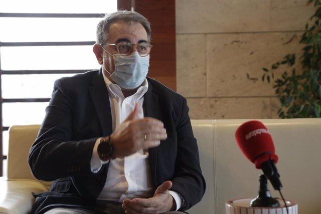 El consejero de Sanidad de Castilla-La Mancha, Jesús Fernández Sanz, en entrevista con Europa Press