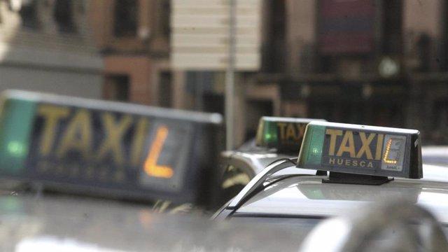 VOX en Huesca propone crear tarjetas de transporte en taxi para personas mayores de 65 años.