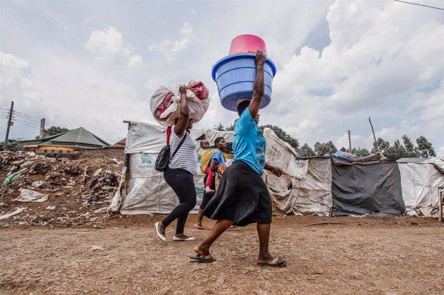 Mujeres en Nairobi, Kenia