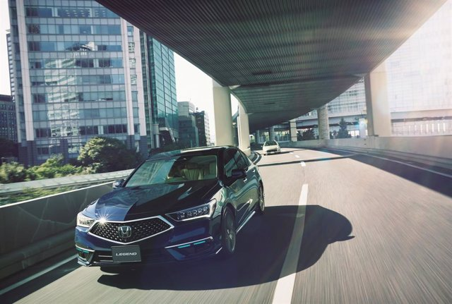 Archivo - Honda Legend Hybrid EX
