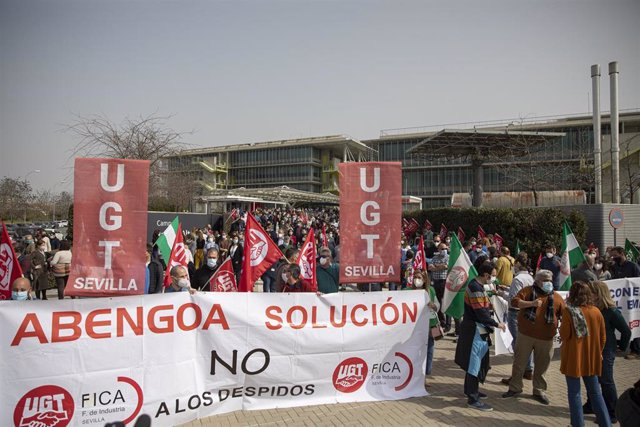 """Economía.- Minoristas de Abengoa critican las condiciones """"leoninas"""" de banca y fondos buitre en la reestructuración"""