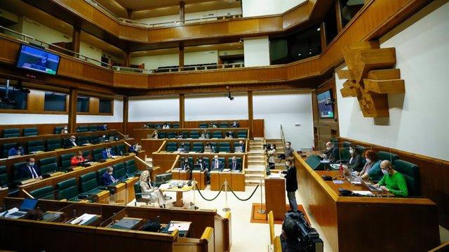 Archivo - Pleno del Parlamento Vasco