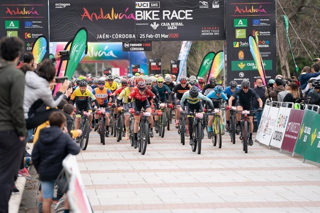 Archivo - Salida de la décima edición de la Andalucía Bike Race by Garmin