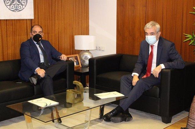 El presidente de ATA, Lorenzo Amor, y el eurodiputado de Ciudadanos Luis Garicano
