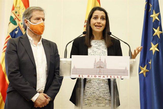 La presidenta de Ciudadanos, Inés Arrimadas, junto al líder de la formación naranja en Aragón, Daniel Pérez Calvo