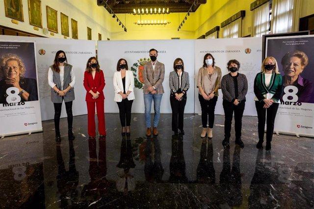 Presentación de la campaña del 8M en el Ayuntamiento de Zaragoza