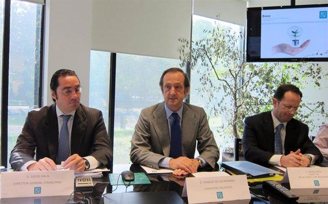 Archivo - De izquierda a derecha: el director general de Finanzas de Ence, Diego Maus; el consejero delegado de Ence, Ignacio de Colmenares, y el director de relaciones con los inversores, Rafael Rico.
