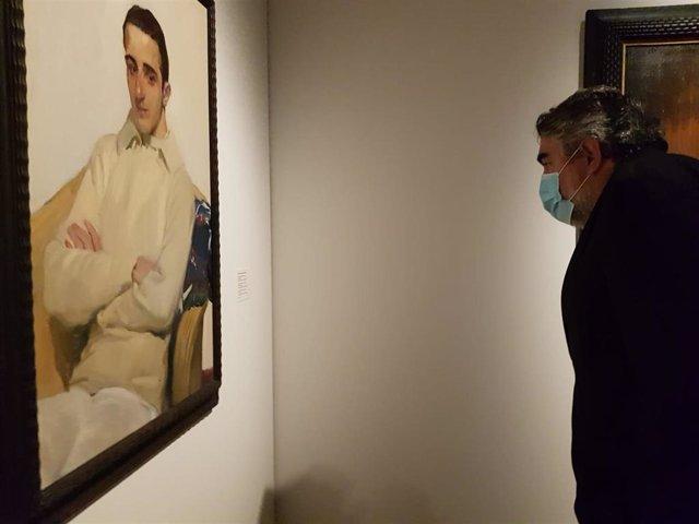 Archivo - El ministro Uribes visita el Museo de Bellas Artes de València (archivo)