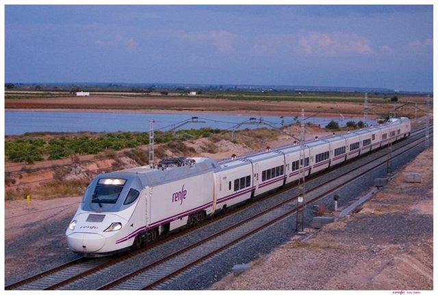 Un tren de Renfe. Imagen de archivo.
