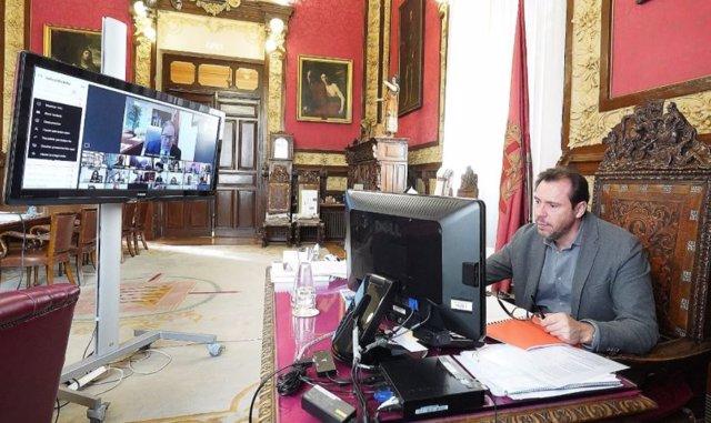 El alcalde de Valladolid, Óscar Puente, durante el Pleno municipal telemático de este jueves.